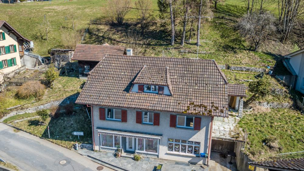 Eriswil / Mehrfamilienhaus mit Gewerbe voll vermietet