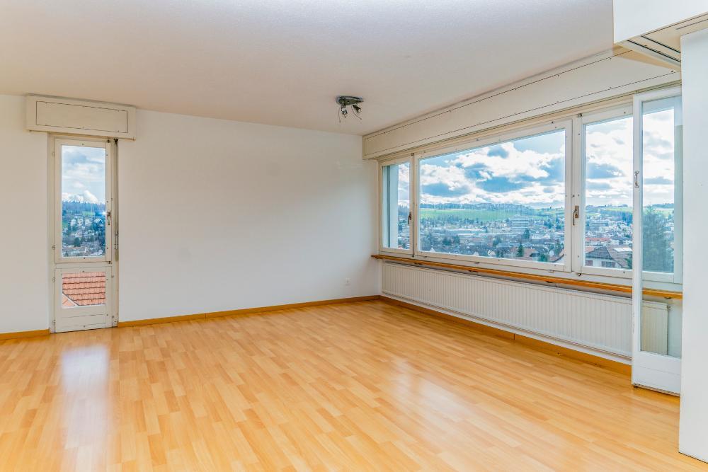 Pfeffikon / 4.5 Zi-Wohnung, Stellplatz, Aussicht